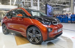 LEIPZIG, GERMANY - SEPTEMBER 18: A new BMW i3 electric car is seen on the assembly line at the BMW factory on September 18, 2013 in Leipzig, Germany. The i3 is BMW's first mass market electric car and the company has invested EUR 400 million into its production at the Leipzig factory. (Photo by Jens Schlueter/Getty Images)